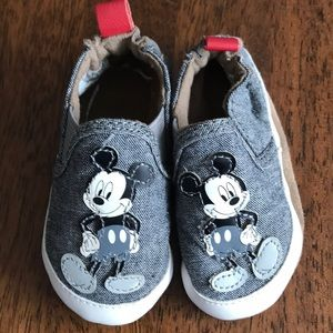 Robeez 0-6 month Mickey Mouse shoes.  Like new